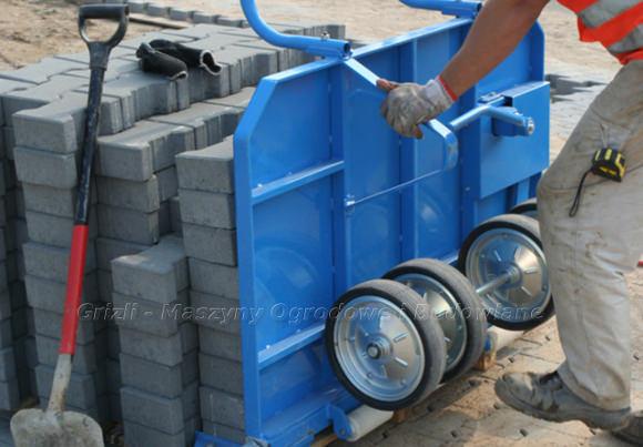 Jazon wózek transportowy brukarski - pobranie jednej warstwy kostki