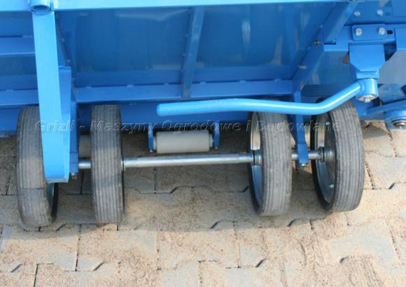 Wózek brukarski Krab - widok na stalowe koła