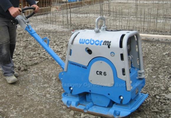 Narzędzia, urządzenia i maszyny do układania polbruku. Na foto zagęszczarka rewersyjna. Weber CR6